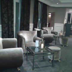 Hotel Chateau de la Tour гостиничный бар