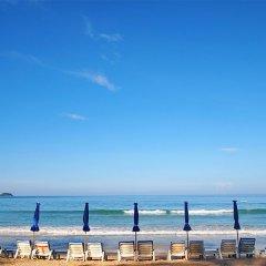 Отель X2 Vibe Phuket Patong пляж