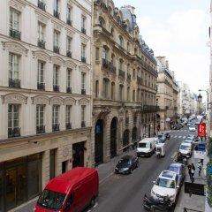 Отель Louvre - Saint Honore Private Apartment Франция, Париж - отзывы, цены и фото номеров - забронировать отель Louvre - Saint Honore Private Apartment онлайн комната для гостей фото 4