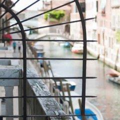 Отель Easy Hostel Venice Италия, Венеция - отзывы, цены и фото номеров - забронировать отель Easy Hostel Venice онлайн балкон