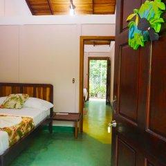 Отель Cabinas Tropicales Puerto Jimenez Ринкон сейф в номере