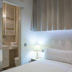 Отель Hostal Excellence Барселона комната для гостей фото 2