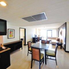 Отель Woraburi Phuket Resort & Spa в номере