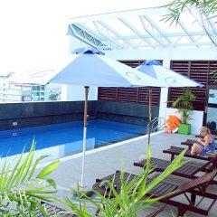 Nhi Phi Hotel бассейн фото 2