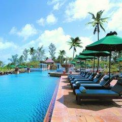 Отель JW Marriott Phuket Resort & Spa Таиланд, Пхукет - 1 отзыв об отеле, цены и фото номеров - забронировать отель JW Marriott Phuket Resort & Spa онлайн бассейн фото 2