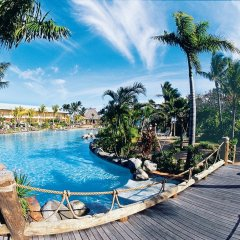 Отель Outrigger Fiji Beach Resort бассейн фото 2