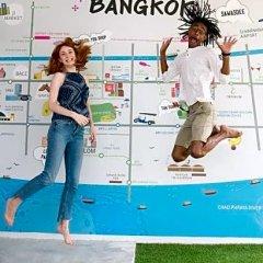 Liveitup Chitlom Hostel Бангкок спортивное сооружение