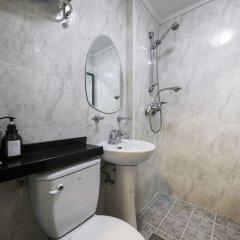 Sinchon Sisters Hostel ванная