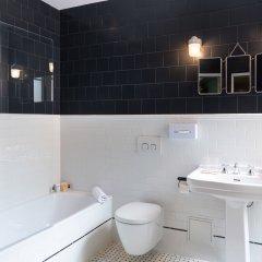 Отель Silky by HappyCulture Франция, Лион - 1 отзыв об отеле, цены и фото номеров - забронировать отель Silky by HappyCulture онлайн ванная фото 2