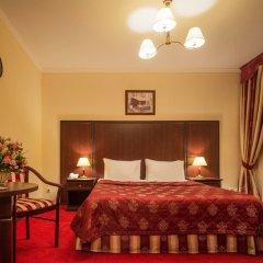 Гостиница Салют 4* Стандартный номер с двуспальной кроватью