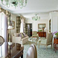 Отель Four Seasons George V Париж комната для гостей фото 5