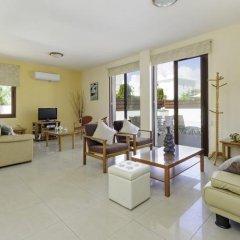 Отель Zouvanis Luxury Villas Кипр, Протарас - отзывы, цены и фото номеров - забронировать отель Zouvanis Luxury Villas онлайн комната для гостей фото 2