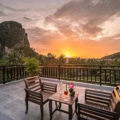 Отель Andaman Breeze Resort балкон