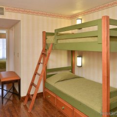 Отель Best Western Plus Raffles Inn & Suites комната для гостей фото 3