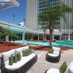 Отель DoubleTree by Hilton at the Entrance to Universal Orlando бассейн фото 5