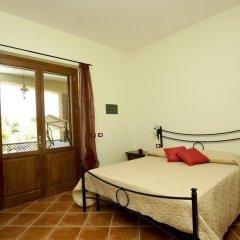 Отель Le Camere di Nonna Mara Монтескудаио сейф в номере