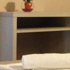 Отель REALE Римини сейф в номере