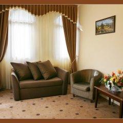 Гостиница Гранд-отель Пилипец Украина, Поляна - отзывы, цены и фото номеров - забронировать гостиницу Гранд-отель Пилипец онлайн комната для гостей фото 4