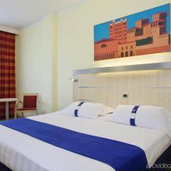 Отель Holiday Inn Express Parma Парма комната для гостей