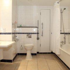 Отель Holiday Inn London - Regents Park ванная фото 2