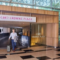 Отель Crowne Plaza Changi Airport Сингапур фитнесс-зал