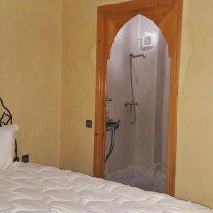 Отель Riad Porte Des 5 Jardins Марокко, Марракеш - отзывы, цены и фото номеров - забронировать отель Riad Porte Des 5 Jardins онлайн сейф в номере