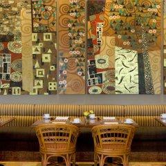 Отель Four Points By Sheraton Surabaya Сурабая питание фото 2