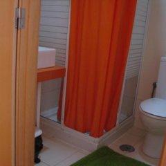 Отель Lisbon Happy Hostel by Sweet Home Hospedagem Португалия, Лиссабон - отзывы, цены и фото номеров - забронировать отель Lisbon Happy Hostel by Sweet Home Hospedagem онлайн ванная фото 2