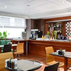 Отель NH Brussels Stéphanie гостиничный бар
