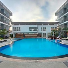 Отель BS Premier Airport Suvarnabhumi бассейн