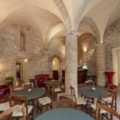 Отель La Cisterna Италия, Сан-Джиминьяно - 1 отзыв об отеле, цены и фото номеров - забронировать отель La Cisterna онлайн развлечения