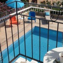 Lavender's Lodge Hotel бассейн