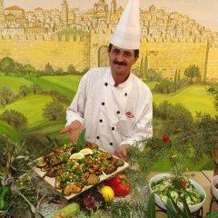 Commodore Hotel Jerusalem Израиль, Иерусалим - 3 отзыва об отеле, цены и фото номеров - забронировать отель Commodore Hotel Jerusalem онлайн питание фото 3