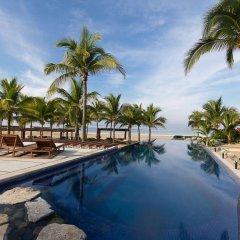 Отель Las Palmas Beachfront Villas Мексика, Коакоюл - отзывы, цены и фото номеров - забронировать отель Las Palmas Beachfront Villas онлайн бассейн фото 2