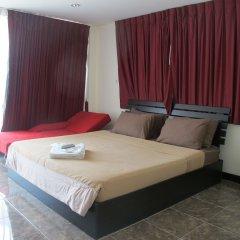 Апартаменты Rouge Service Apartments Паттайя комната для гостей фото 2