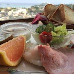 Отель Surfside Bed & Breakfast Центр Окинавы питание фото 2
