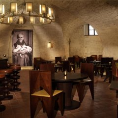 Augustine, a Luxury Collection Hotel, Prague гостиничный бар