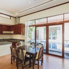 Отель Villa in Bangtao in Les Palmares Villa 8 в номере фото 2