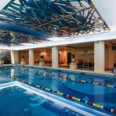 Lake View Hotel бассейн