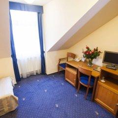 Отель Modra ruze Чехия, Прага - 10 отзывов об отеле, цены и фото номеров - забронировать отель Modra ruze онлайн удобства в номере фото 2