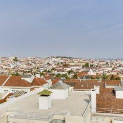 Отель Penthouse with Breathtaking Views Лиссабон бассейн
