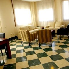 Отель Apartamentos Luxsevilla Palacio Испания, Севилья - отзывы, цены и фото номеров - забронировать отель Apartamentos Luxsevilla Palacio онлайн помещение для мероприятий