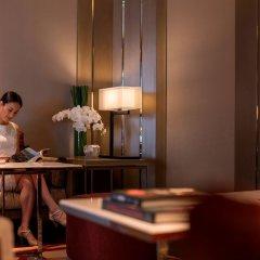 Отель InterContinental Nha Trang Вьетнам, Нячанг - 3 отзыва об отеле, цены и фото номеров - забронировать отель InterContinental Nha Trang онлайн гостиничный бар
