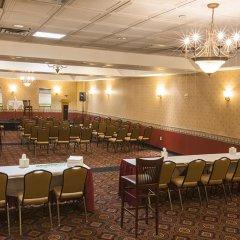Отель Holiday Inn LaGuardia Airport США, Нью-Йорк - отзывы, цены и фото номеров - забронировать отель Holiday Inn LaGuardia Airport онлайн помещение для мероприятий
