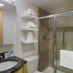 Отель Hampton Inn Manhattan/Times Square South США, Нью-Йорк - отзывы, цены и фото номеров - забронировать отель Hampton Inn Manhattan/Times Square South онлайн ванная