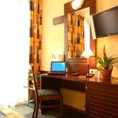 Отель Kyriad Nice Gare Франция, Ницца - 13 отзывов об отеле, цены и фото номеров - забронировать отель Kyriad Nice Gare онлайн удобства в номере