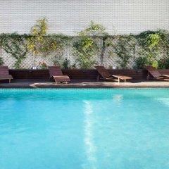 Отель Ibis Valencia Palacio de Congresos Испания, Валенсия - отзывы, цены и фото номеров - забронировать отель Ibis Valencia Palacio de Congresos онлайн бассейн