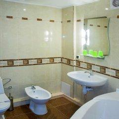 Гостиница Сенатор Украина, Трускавец - отзывы, цены и фото номеров - забронировать гостиницу Сенатор онлайн ванная