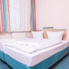 Отель Pension ODIN сейф в номере