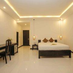 Отель Hoi An Sunny Pool Villa сейф в номере